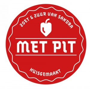 cropped met pit logo 2 300x297 - Over Sandra
