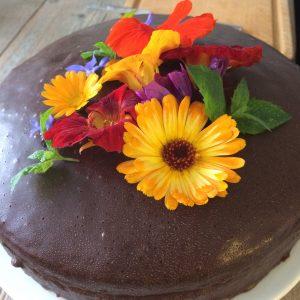 IMG 8561 e1508009150245 300x300 - Chocoladetaart met eetbare bloemen