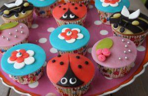 cupcakes1 2 300x196 - Cupcakes