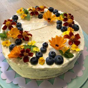 IMG 1826Edited 300x300 - Mascarpone taart met bloemen